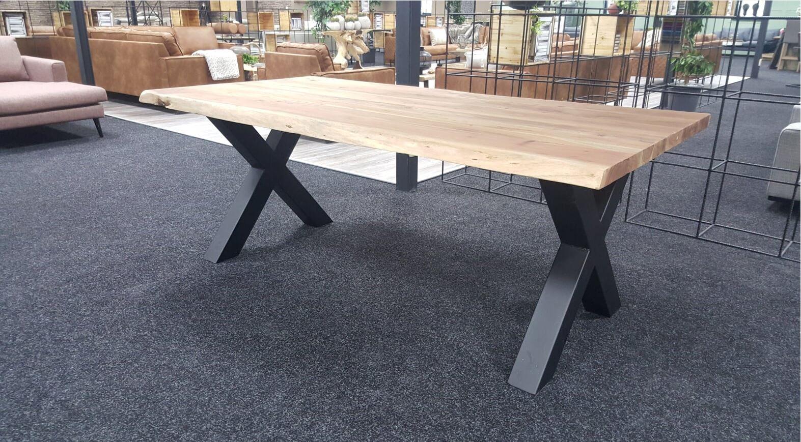 Tafel Van Boomstam : Groot aanbod boomstam tafels acacia hout aktie wonen