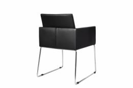 Zwarte en witte hoogglans meubelen aktie for Witte eetkamerstoelen met armleuning